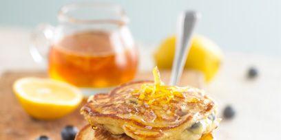 Yellow, Food, Ingredient, Drink, Amber, Lemon, Citrus, Cuisine, Breakfast, Tableware,