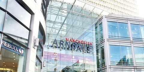 Building, Architecture, Shopping mall, Metropolitan area, City, Facade, Tourism, Shopping, Glass, Pedestrian,