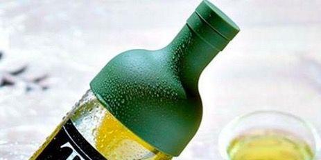 Bottle, Drink, Beer bottle, Liqueur, Alcoholic beverage, Product, Distilled beverage, Glass bottle, Alcohol, Liquid,