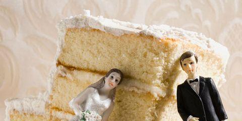Food, White cake mix, Buttercream, Wedding cake, Cake, Torte, Cake decorating, Baked goods, Icing, Dessert,