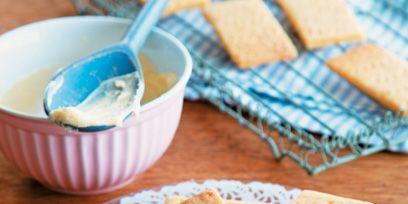 Finger food, Food, Cuisine, Ingredient, Tableware, Baked goods, Dish, Plate, Recipe, Snack,