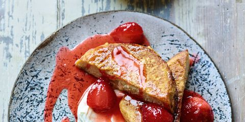 Dish, Food, Cuisine, Ingredient, Breakfast, Strawberry, French toast, Produce, Toast, Staple food,