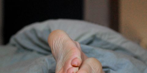 Finger, Skin, Joint, Comfort, Nail, Thumb, Sole, Barefoot, Toe, Foot,