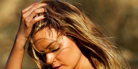 Hair, Beauty, Long hair, Hairstyle, Blond, Model, Brown hair, Surfer hair, Photo shoot, Muscle,