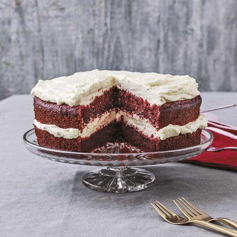 Dish, Food, Cuisine, Dessert, Cake, Red velvet cake, Baked goods, Torte, Chocolate cake, Buttercream,