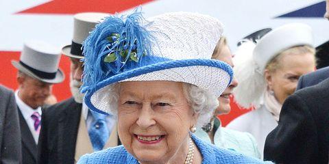 Blue, Sleeve, Collar, Coat, Headgear, Electric blue, Suit, Costume accessory, Blazer, Cobalt blue,
