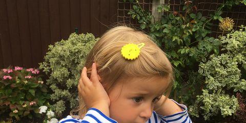 Child, T-shirt, Baby & toddler clothing, Shrub, Garden, Toddler, Hair accessory, Spring, Groundcover, Yard,