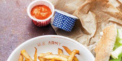 Food, Fried food, Cuisine, Ingredient, French fries, Fast food, Leaf vegetable, Deep frying, Breakfast, Dish,