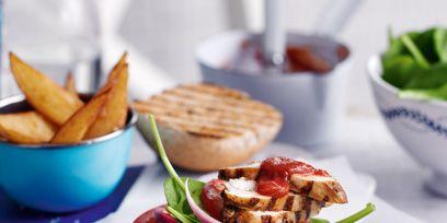 Food, Finger food, Cuisine, Ingredient, Tableware, Dish, Meal, Potato wedges, Fried food, Plate,