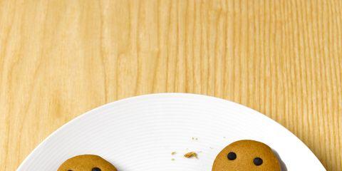 Gingerbread, Cookies and crackers, Food, Snack, Biscuit, Cookie, Animal cracker, Dessert, Finger food, Baked goods,