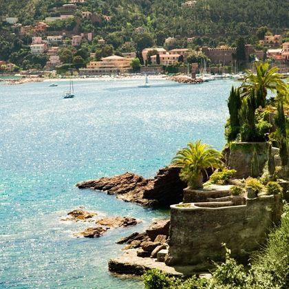 Coastal and oceanic landforms, Coast, Watercraft, Shore, Sea, Bay, Beach, Aqua, Boat, Tropics,