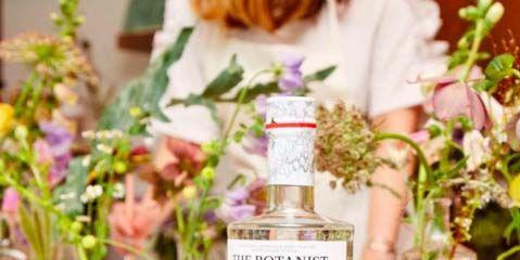 Bottle, Product, Liqueur, Drink, Glass bottle, Alcoholic beverage, Distilled beverage, Plant, Rosolio, Flower,