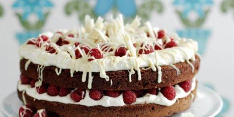 Dish, Food, Cuisine, Dessert, Torte, Cake, Baked goods, Buttercream, Ingredient, Whipped cream,