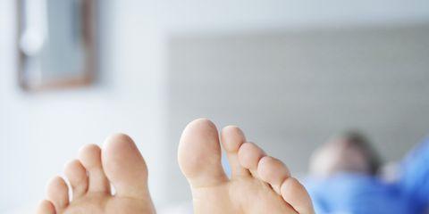 Foot, Toe, Leg, Sole, Child, Barefoot, Skin, Nail, Baby, Human body,