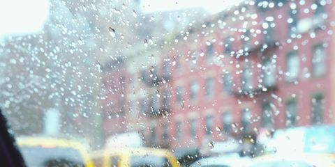 Yellow, Snow, Rain, Vehicle, Motor vehicle, Windshield, Car, Winter, Automotive window part, Precipitation,