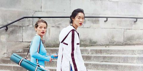 Street fashion, Clothing, Blue, Fashion, Electric blue, Shoulder, Snapshot, Footwear, Turquoise, Outerwear,
