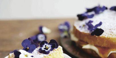 Food, Cuisine, Sweetness, Finger food, Ingredient, Dessert, Baked goods, Dish, Cake, Plate,