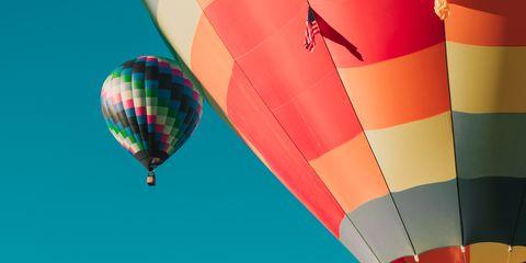 Mode of transport, Nature, Blue, Fun, Transport, Daytime, Recreation, Hot air ballooning, Green, Red,