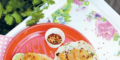 Food, Plate, Dishware, Cuisine, Tableware, Serveware, Fried food, Ingredient, Dish, Recipe,