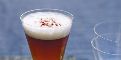 Serveware, Drinkware, Glass, Beer, Dishware, Barware, Tableware, Liquid, Drink, Alcoholic beverage,