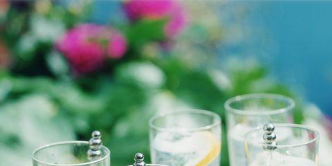 Drink, Glass, Highball glass, Non-alcoholic beverage, Lemonade, Beaker, Transparent material,