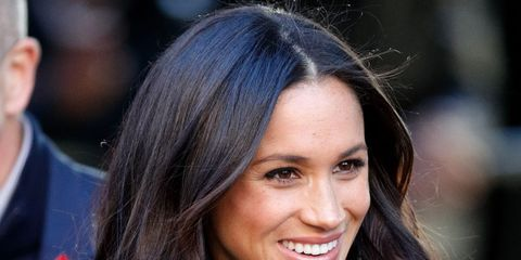 Hair, Face, Hairstyle, Long hair, Brown hair, Eyebrow, Beauty, Lip, Black hair, Layered hair,