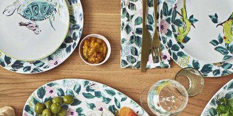 Dishware, Meal, Dish, Food, Platter, Plate, Brunch, Tableware, Cuisine, Serveware,