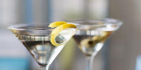 Martini glass, Drink, Stemware, Alcoholic beverage, Glass, Cocktail, Distilled beverage, Classic cocktail, Vesper, Martini,