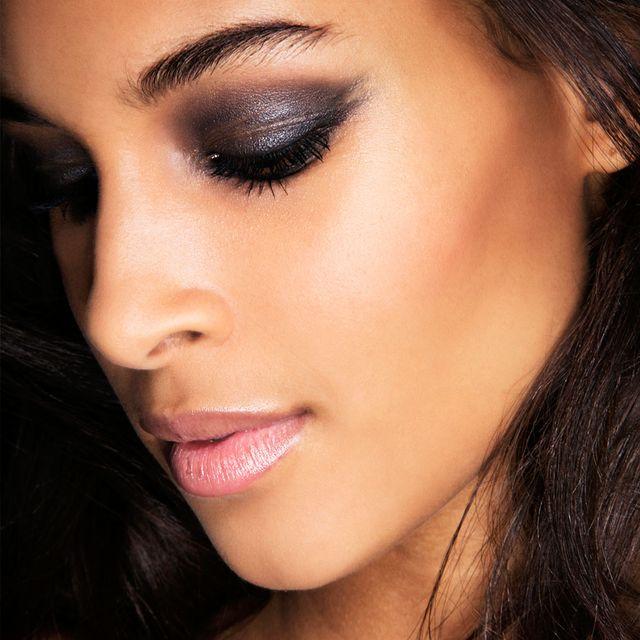 Face, Eyebrow, Hair, Lip, Eyelash, Cheek, Nose, Eye shadow, Skin, Eye,