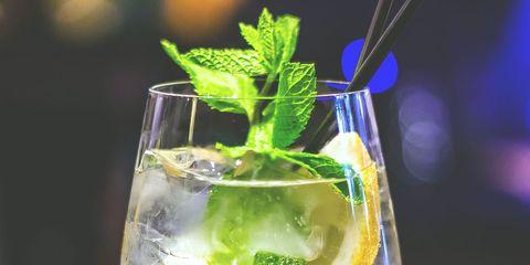 Drink, Mojito, Alcoholic beverage, Cocktail, Champagne cocktail, Gin and tonic, Non-alcoholic beverage, Distilled beverage, Spritzer, Glass,