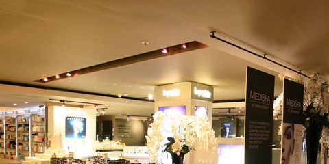 Lighting, Display case, Ceiling, Retail, Light fixture, Display window, Collection, Trade, Customer, Exhibition,