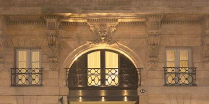 Architecture, Property, Facade, Landmark, Fixture, Arch, Molding, Door, Symmetry, Classical architecture,
