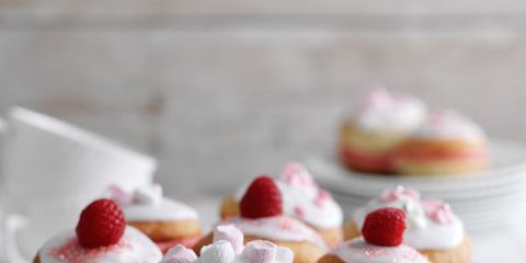Food, Cuisine, Sweetness, Finger food, Serveware, Dessert, Baked goods, Dishware, Ingredient, Dish,