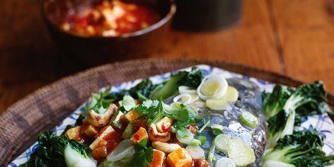 Food, Cuisine, Ingredient, Tableware, Dish, Dishware, Leaf vegetable, Recipe, Produce, Garnish,