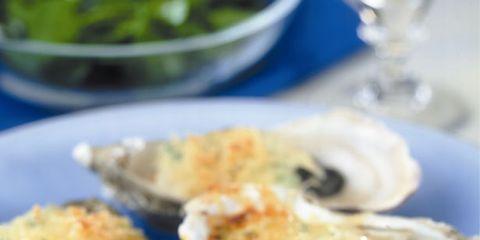 Serveware, Food, Dishware, Ingredient, Bivalve, Oyster, Tableware, Seafood, Plate, Recipe,