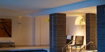 Blue, Swimming pool, Floor, Property, Interior design, Fluid, Flooring, Room, Wall, Tile,
