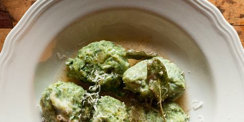 Food, Dishware, Serveware, Cuisine, Ingredient, Plate, Tableware, Dish, Leaf vegetable, Recipe,
