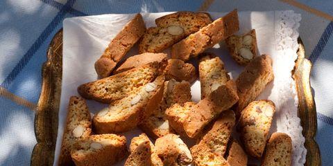 Food, Cuisine, Potato wedges, White, Fried food, Light, Dish, Junk food, Finger food, Side dish,