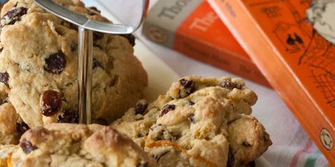 Finger food, Food, Chocolate chip cookie, Dessert, Cuisine, Baked goods, Cookies and crackers, Chocolate chip, Biscuit, Ingredient,