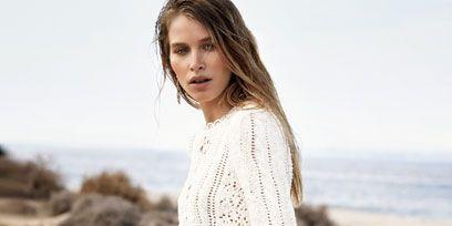 Sleeve, Skin, Shoulder, Photograph, Joint, Summer, Sand, Sitting, Beauty, Neck,