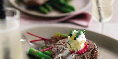 Dishware, Food, Serveware, Tableware, Plate, Ingredient, Cuisine, Beef, Meat, Garnish,