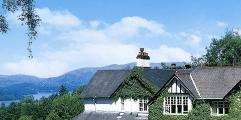 Property, House, Roof, Building, Real estate, Home, Land lot, Residential area, Mountain range, Cottage,