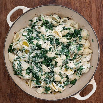 Creamy conchiglie pasta with spinach recipe