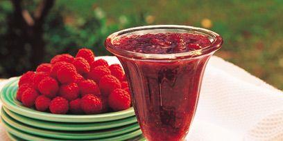 Serveware, Red, Food, Glass, Dishware, Produce, Tableware, Fruit, Drinkware, Barware,