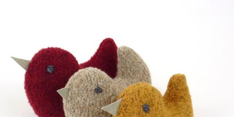Textile, Toy, Baby toys, Beak, Fawn, Creative arts, Baby Products, Craft, Wool, Bird,