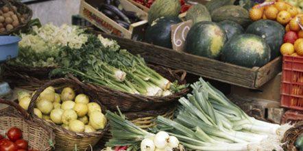 Whole food, Local food, Vegan nutrition, Natural foods, Food, Produce, Ingredient, Vegetable, Food group, Public space,