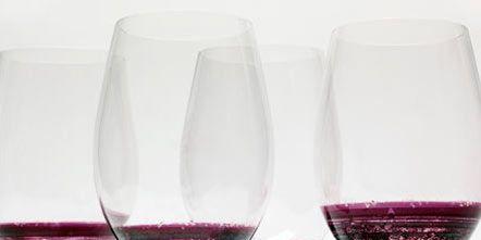 Drinkware, Glass, Stemware, Barware, Red, Tableware, Wine glass, Liquid, Drink, Champagne stemware,