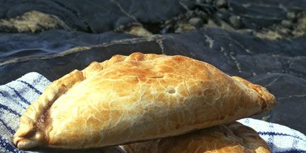 Food, Baked goods, Cuisine, Ingredient, Bread, Finger food, Snack, Dish, Calzone, Pasty,