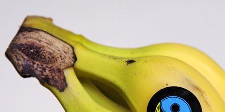 Yellow, Natural foods, Banana family, Cooking plantain, Fruit, Whole food, Produce, Banana, Vegan nutrition, Saba banana,
