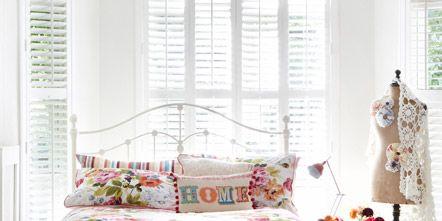 Interior design, Room, Textile, Pink, Linens, Interior design, Bedding, Petal, Purple, Decoration,